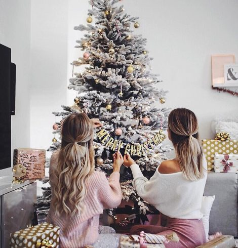 Chic Artificial Christmas Trees With Decorating Tips