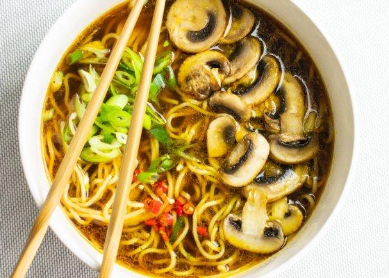 Easy Mushroom Ramen Noodle Soup