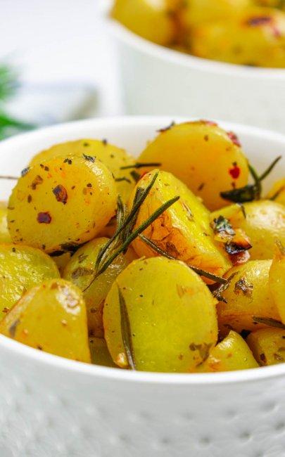 Garlic Lemon Herb Roasted Potatoes